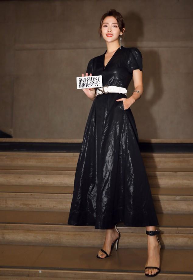 张嘉倪太会穿了,只是因为一条腰带,1米64看起来像1米8!