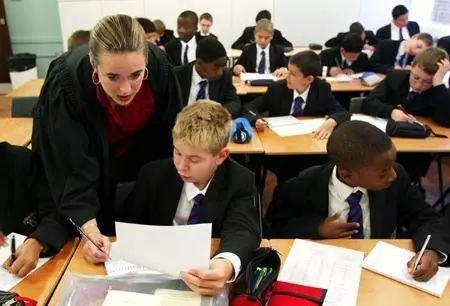 国外 英国的外语教育原来跟我们也有联系……