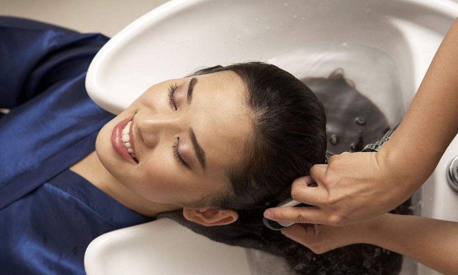 一位客家阿妈用艾草煮水给儿子洗澡,结果没想到...(图9)