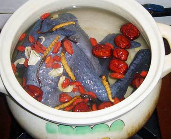 冬虫夏草煲鸡汤怎么做?放多少根量?孕妇能不能喝?体虚怕冷最佳