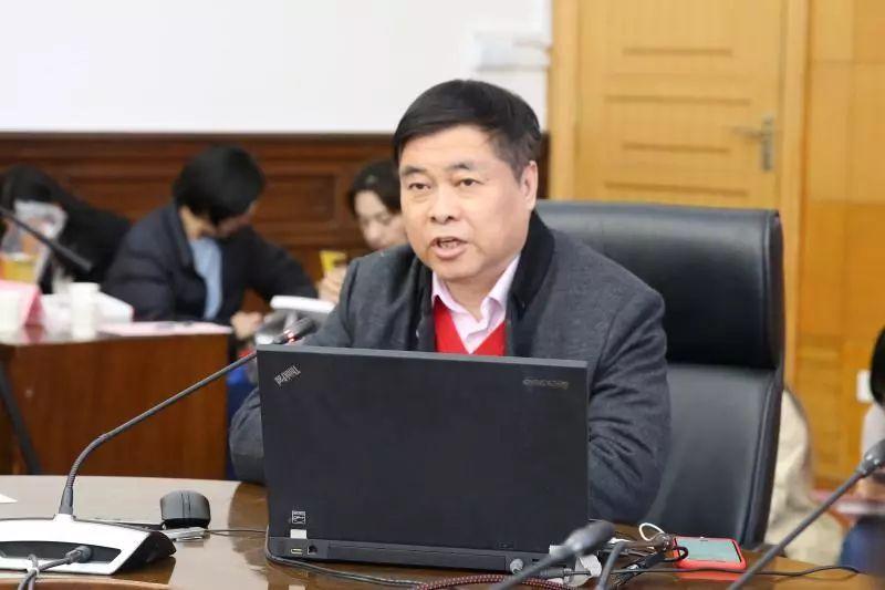 """在长宁的""""上海解放'第一宿营地'""""上一堂党课"""