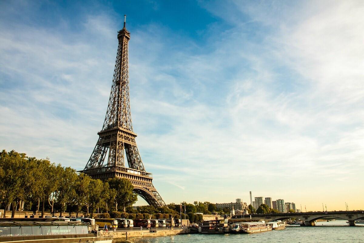 巴黎gdp是依靠什么_跑男已经跑到重庆啦