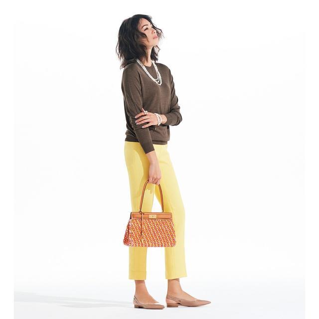 女人与公犬xxx_扔掉你的深色紧身裤 这个春天属于彩色的西裤 - 女人