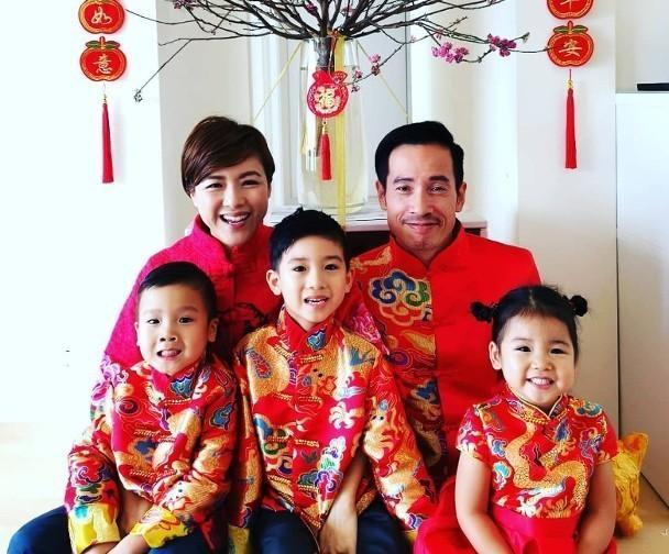 出动珍藏后冠和权杖!前TVB花旦将两岁女儿打扮成港姐冠军获赞