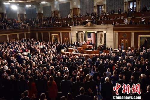 """美众议院通过决议 要求""""通俄门""""报告对外公开"""