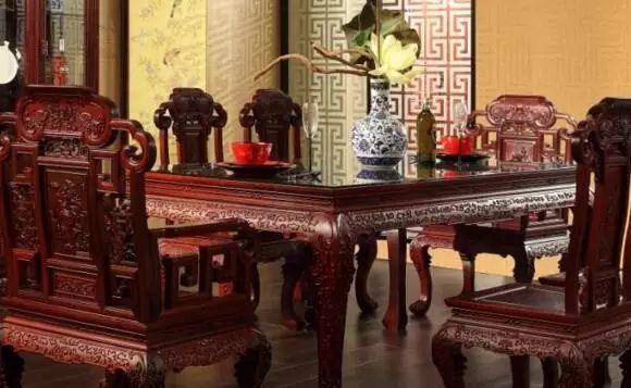 红木人心声:太便宜的家具不能买!-原木护墙板