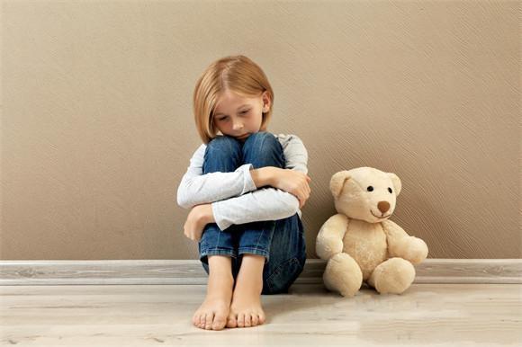 导致孩子自卑的元凶正是父母,这种思想你给孩子灌输过吗