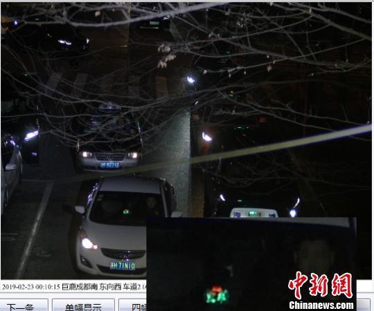 上海交通公安、执法部门对擅自安装空车灯标志车辆上户精准查扣