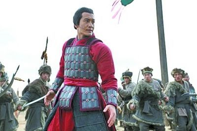 原创敌军6万铁骑兵临帝都,大将亲率精锐勤王,皇帝:杀了他
