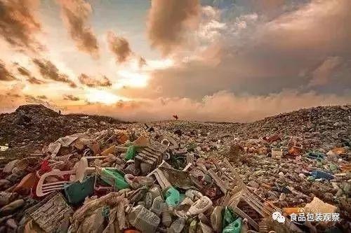 全国两会15件建议和提案集中递交:限制一次性塑料餐具,遏制塑料垃圾!