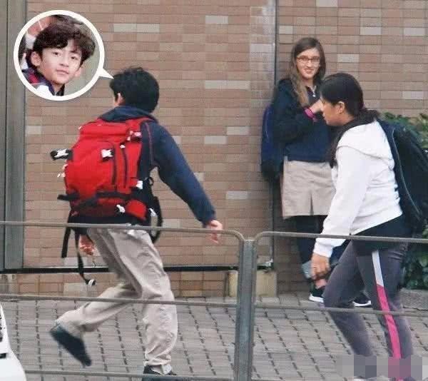 张柏芝自爆和弟弟做_张柏芝11岁儿子近照,颜值胜过谢霆锋,连外国小女生都喜欢_Lucas