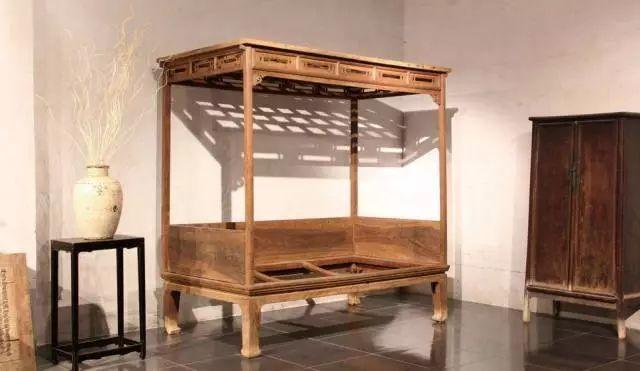 马未都说架子床:睡过架子床的人,大多不再想睡西式床-木制家具