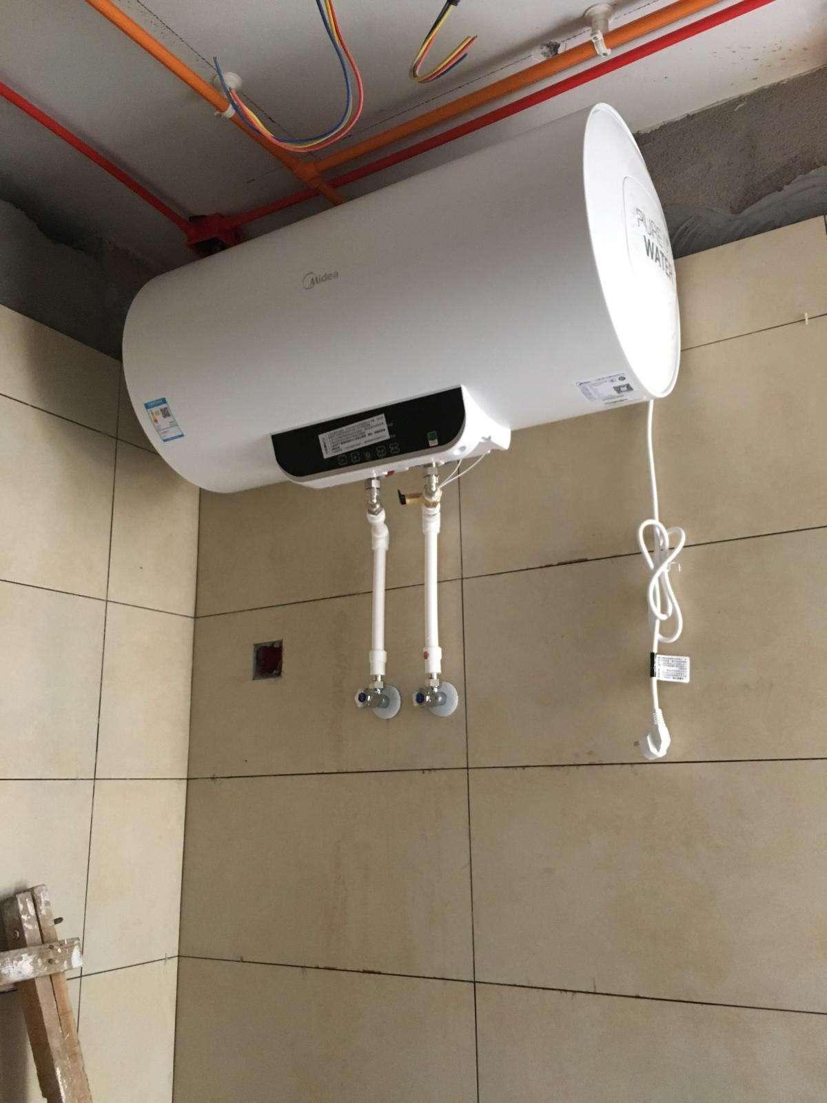 装修卫生间到底是先装吊顶还是热水器?不看后悔系列