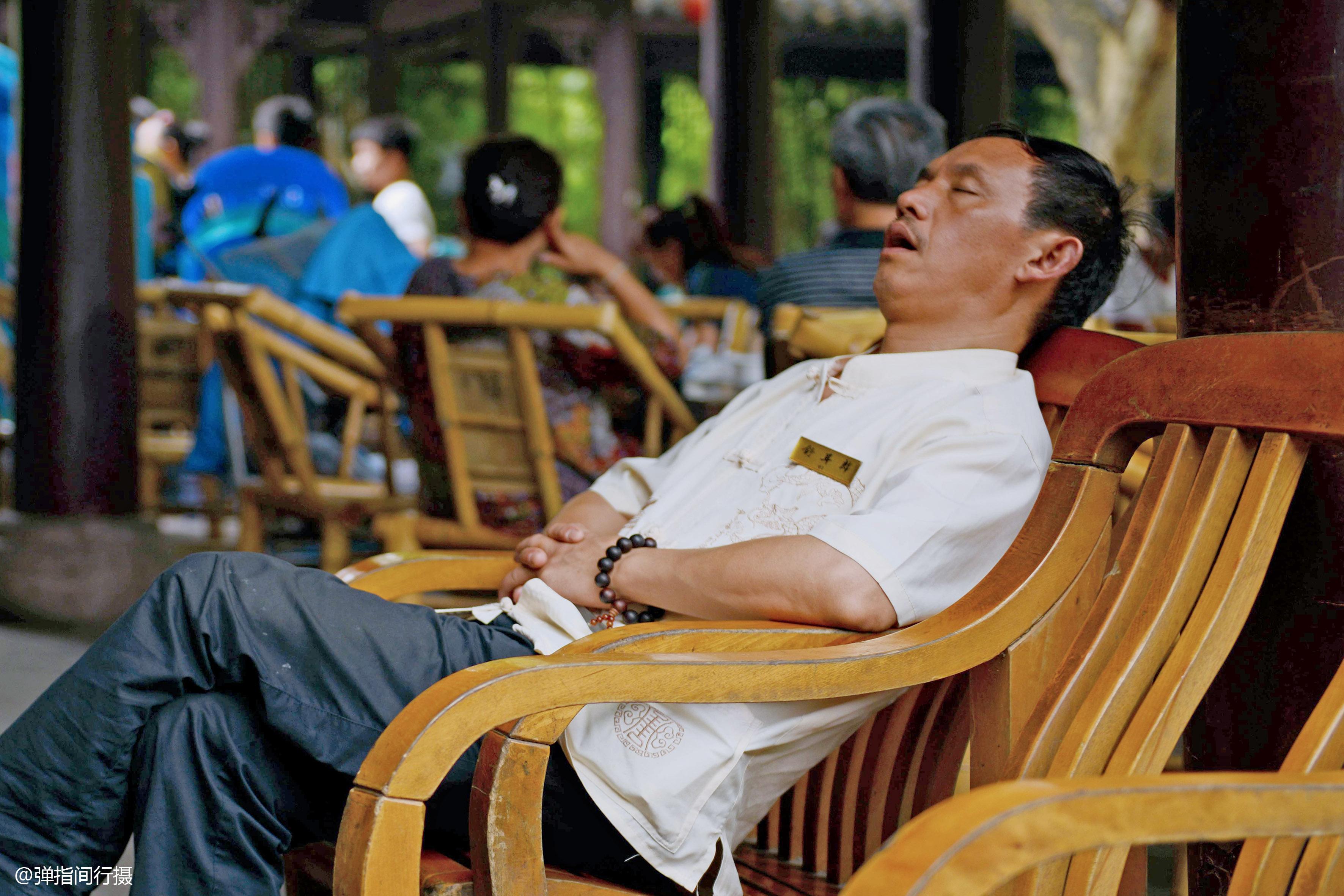 """中国获评""""睡眠大国"""",民众平均睡眠"""