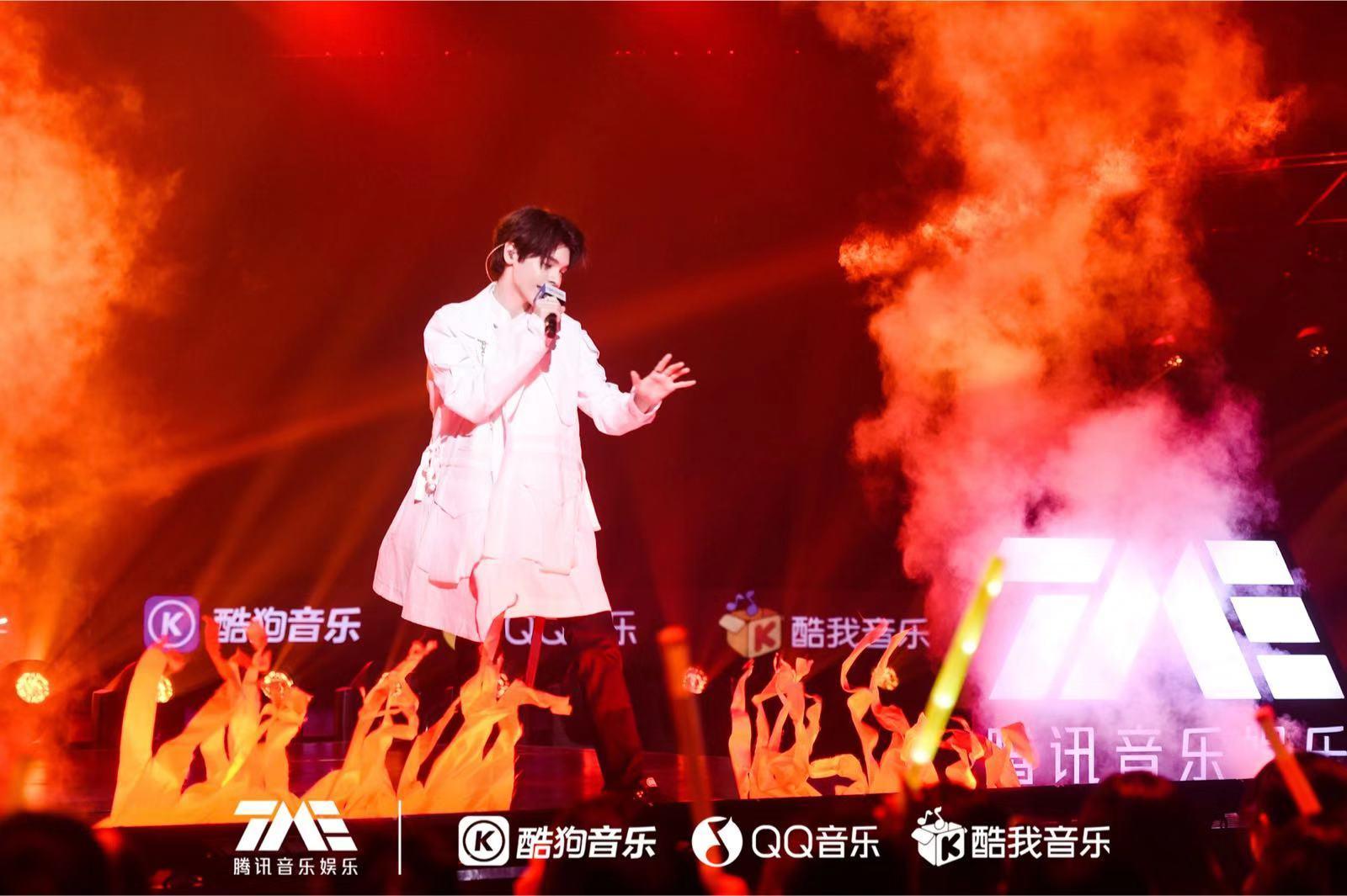 歌唱比赛背景图片