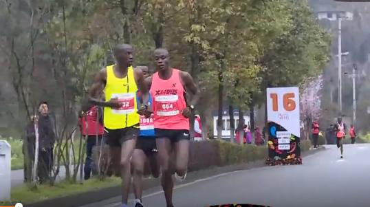 成都双遗马拉松肯尼亚选手夺冠 杨春华女子第一_大道 体育新闻 第5张