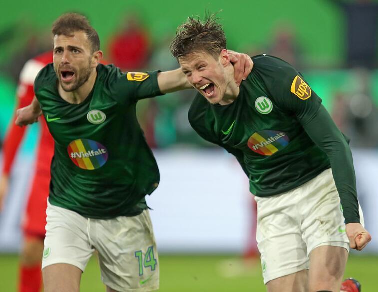 德甲-荷兰中锋戴帽狼堡5-2 沙尔克0-1负莱比锡_韦格霍斯特 体育新闻 第1张