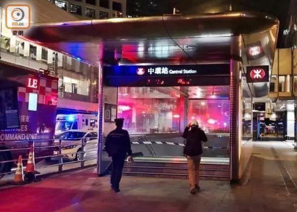 香港两大巴车相撞具体什么情况?香港两大巴车相撞时间过程详解