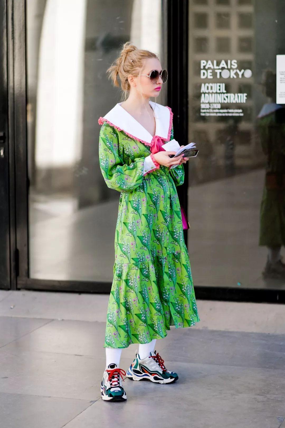 """草原裙""""土味""""来袭!今年春夏最流行的Prairie Dress了解一下"""