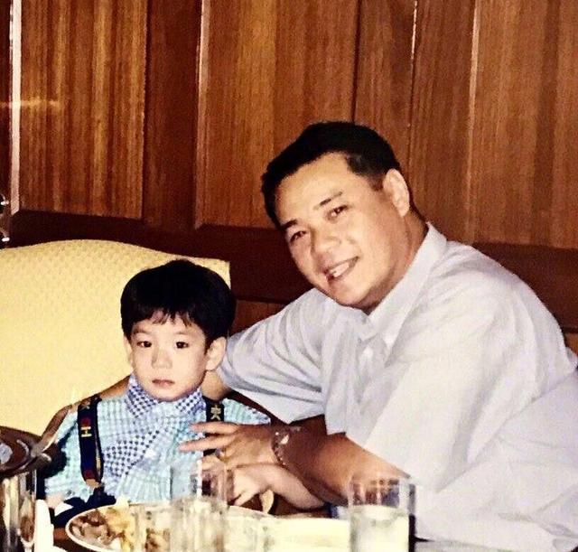 霍思燕儿子嗯哼撞脸泰国人气鲜肉,终于知道他长大后是什幺样子了 作者: 来源:独家影视
