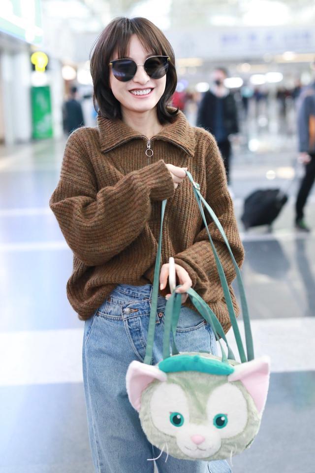 吴昕不自量力,穿热巴同款毛衣,现实版差评的买家秀!