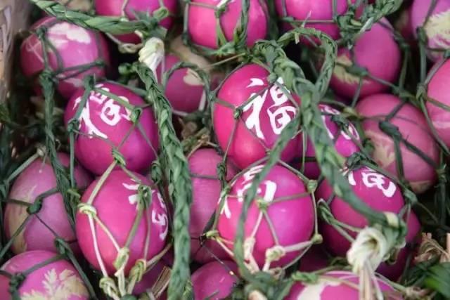 吃红蛋前先祭拜宁洱红蛋节上那些茶人茶事够有普洱府文化哦