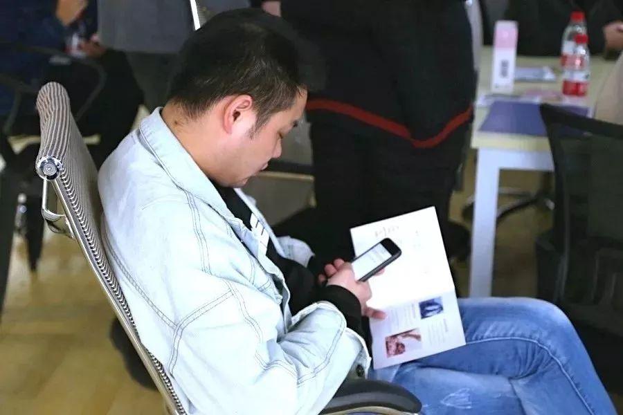 【喜报】赫颜幼肌首次招商会议顺利召开,现场火爆签约!