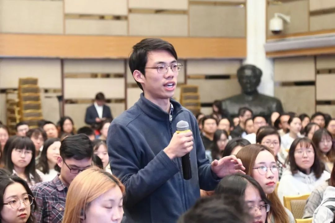 哈佛校长Lawrence Bacow北大演讲:真理的追求与大学的使命