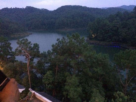 云南最适合自驾游的温泉景区风景独美我要去大自然中泡温泉!(图38)