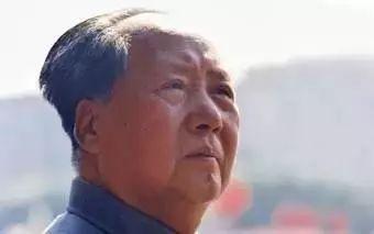 毛泽东泪眼背后的感人故事