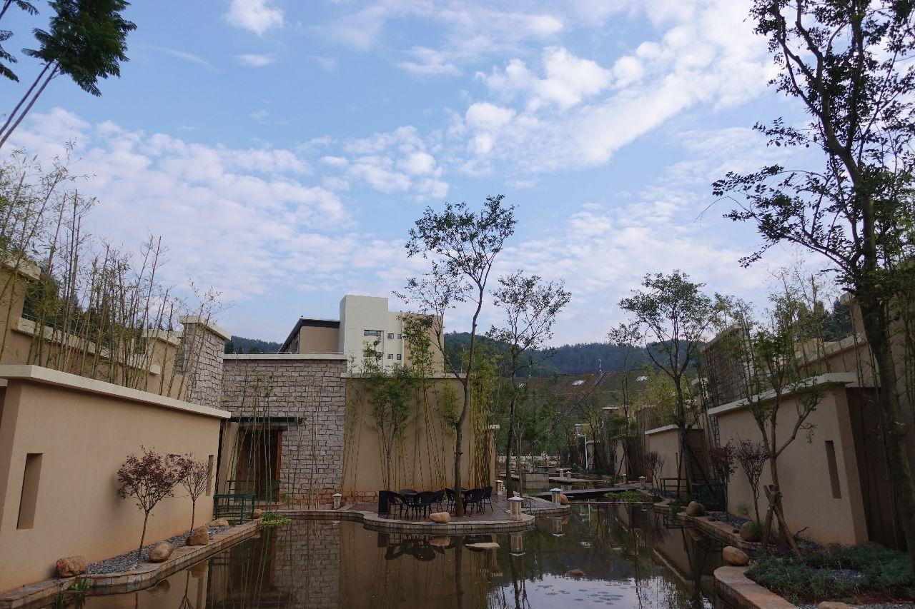 云南最适合自驾游的温泉景区风景独美我要去大自然中泡温泉!(图18)