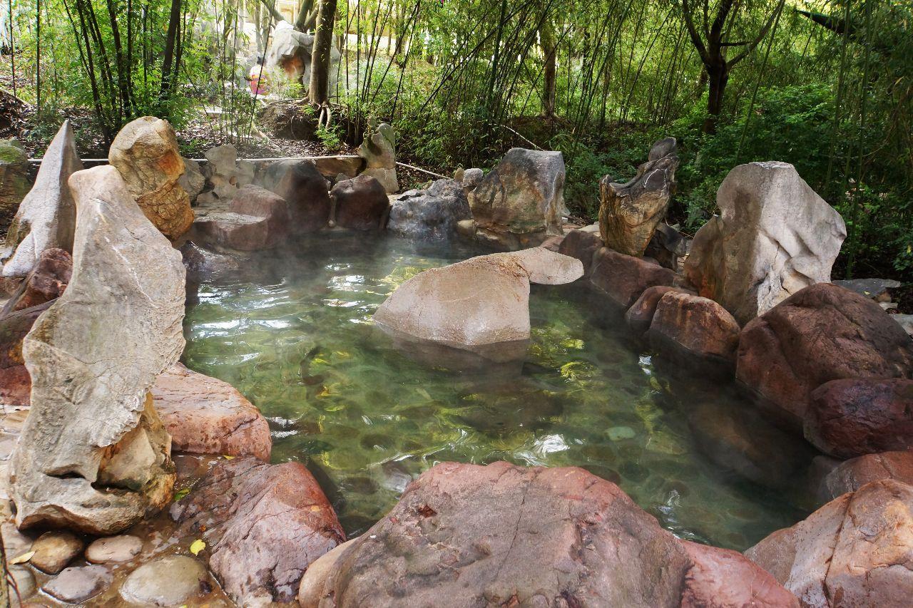 云南最适合自驾游的温泉景区风景独美我要去大自然中泡温泉!(图4)