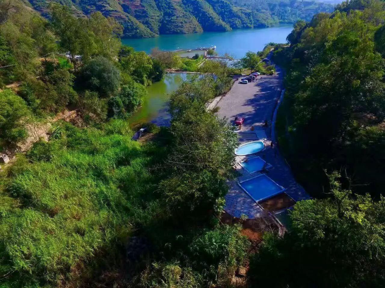 云南最适合自驾游的温泉景区风景独美我要去大自然中泡温泉!(图7)