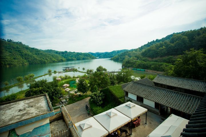 云南最适合自驾游的温泉景区风景独美我要去大自然中泡温泉!(图8)