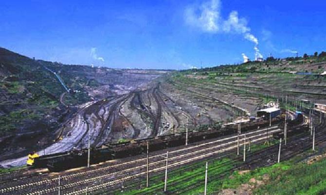 全球最大的废弃矿:连续开采煤矿108年,累计采出2亿吨煤矿! 作者: 来源:李不言说旅游