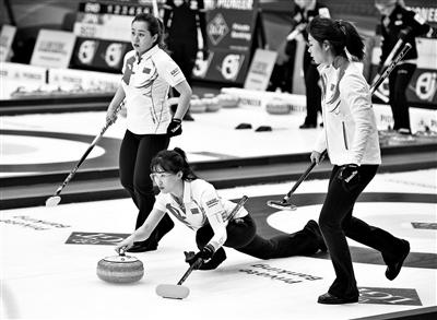 中国冰壶女队 亮眼表现震惊世界