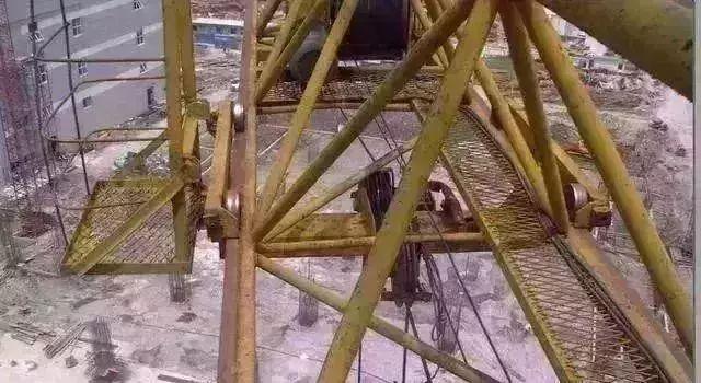 突发 三台塔吊同时倒塌 马鞍山一在建工地发生重大事故