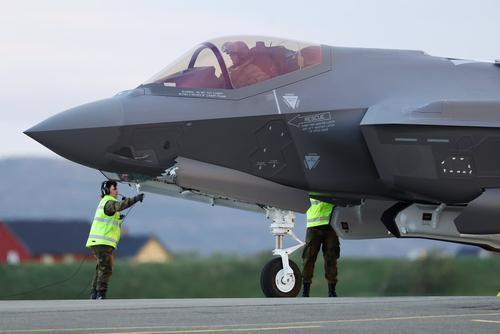 别再诬陷华为,美国出售盟友最新F35隐身战机偷军事数据