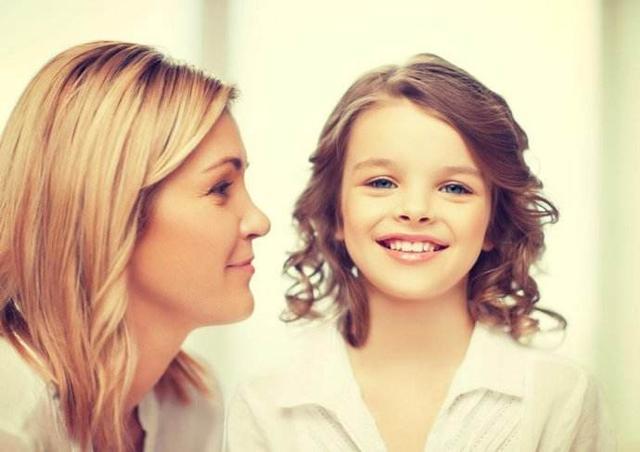 孩子在家里「橫」,一出門就變慫,其實是和家庭環境有關係