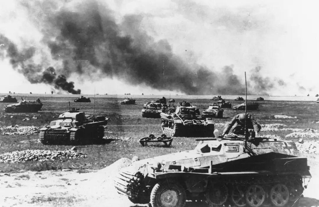二战时德军逼近莫斯科,苏联一个举动大振军民士气图片