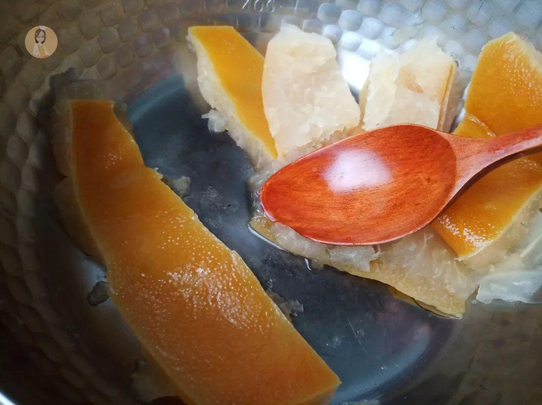 春季治疗咳嗽有妙招,一片柚子皮,一块冰糖,简单实惠又好喝