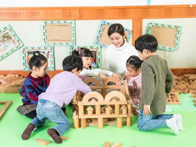 孩子上幼儿园经常迟到,作为父母你们怎么看?