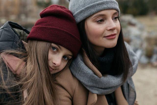 有據可查!女性33歲後越來越像媽媽,男性34歲後越來越像爸爸_父母