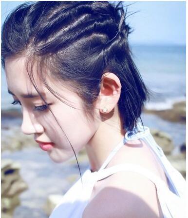 10款头顶头发少的女生合适的扎头发发型!