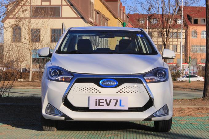 """""""长寿命、安全""""纯电动汽车对——试驾JAC iEV7L"""