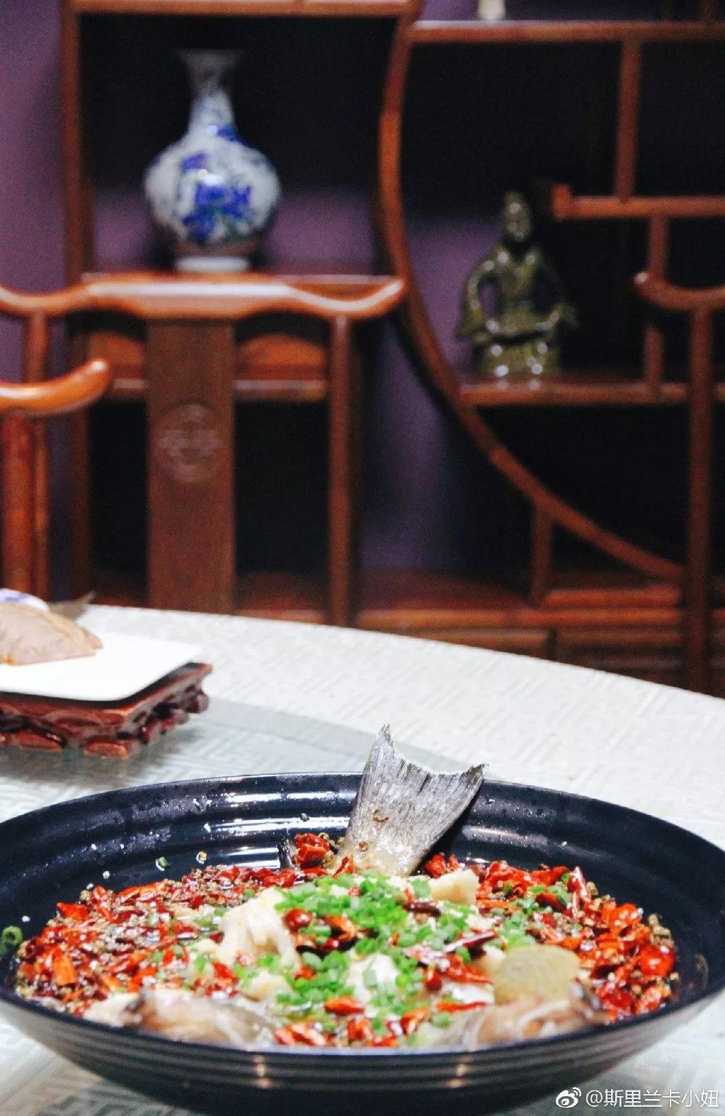 斯里兰卡南洋风海鲜餐厅,活蟹现点现做,避风塘、歌乐山