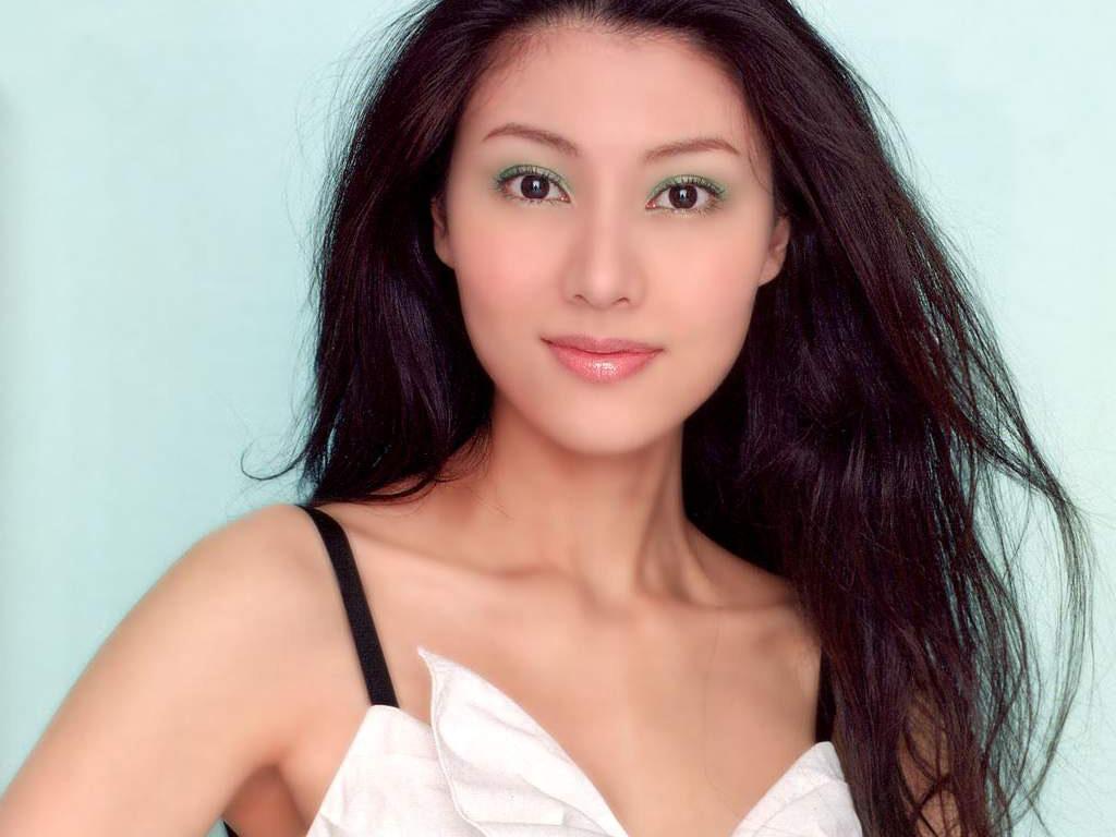 同样是最美港姐,美若天仙的李嘉欣,却被 靓靓 的她给打败了图片