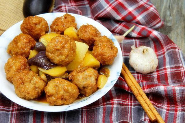 豇豆番茄炒鸡蛋的家常做法,非常美味的下饭菜,