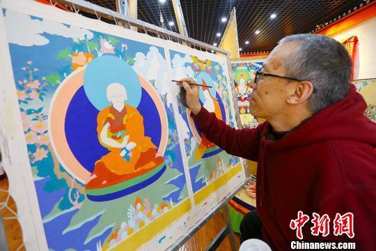 笔尖的蓬勃生机甘肃夏河唐卡成文化产业发展亮点