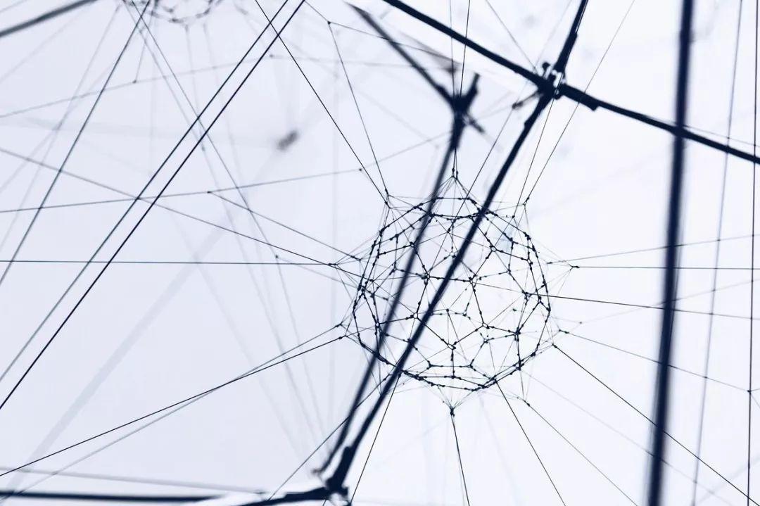 """""""网络效应""""指南:13 种网络效应全解析,了解巨头成功的秘密"""